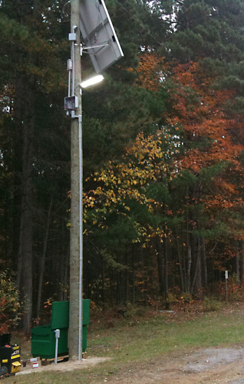 Parking area lights (4x)